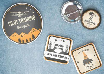 Egyedi grafikával készült vintage badge és logó design